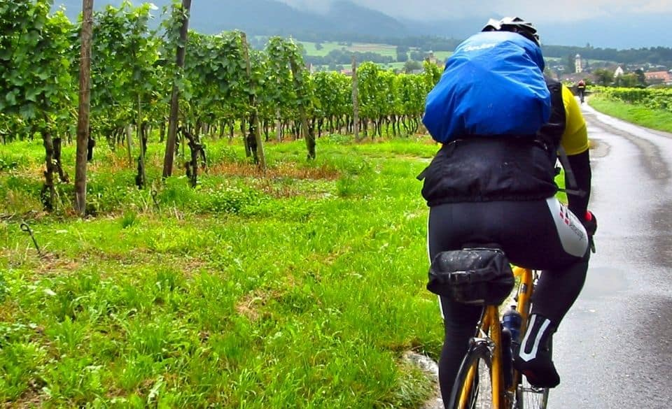 How to Cycle Long distances Without Getting Tired?